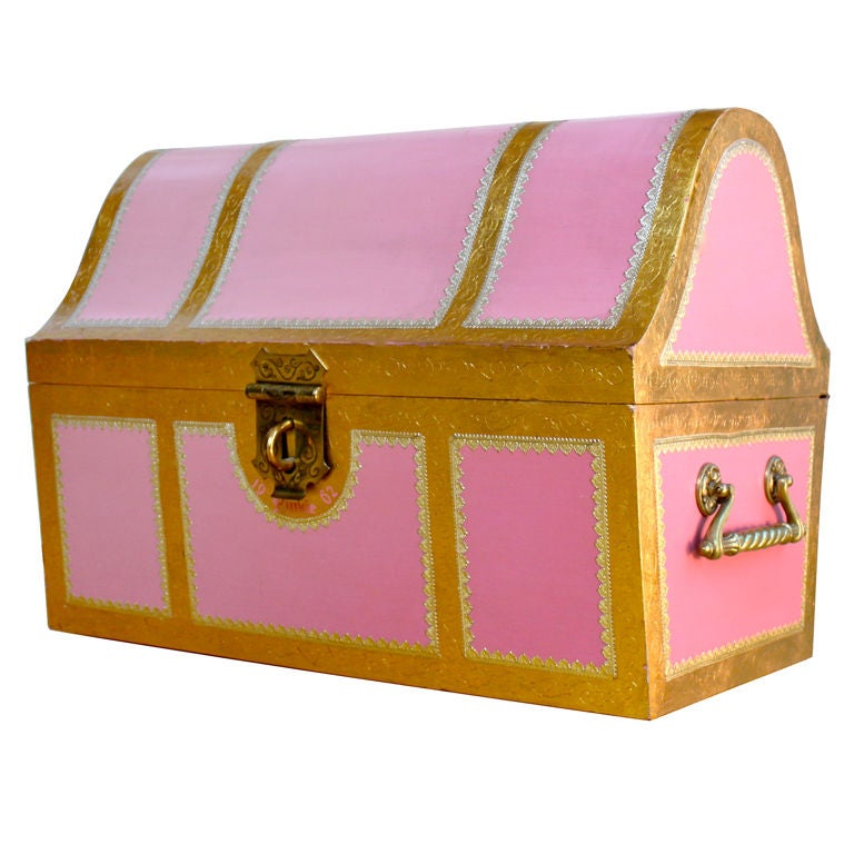 Pink Italian style child's storage trunk / chest