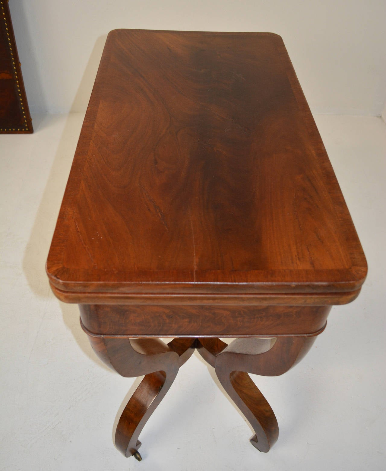 Fine louis philippe card table for sale at 1stdibs for Table 6 pieds louis philippe