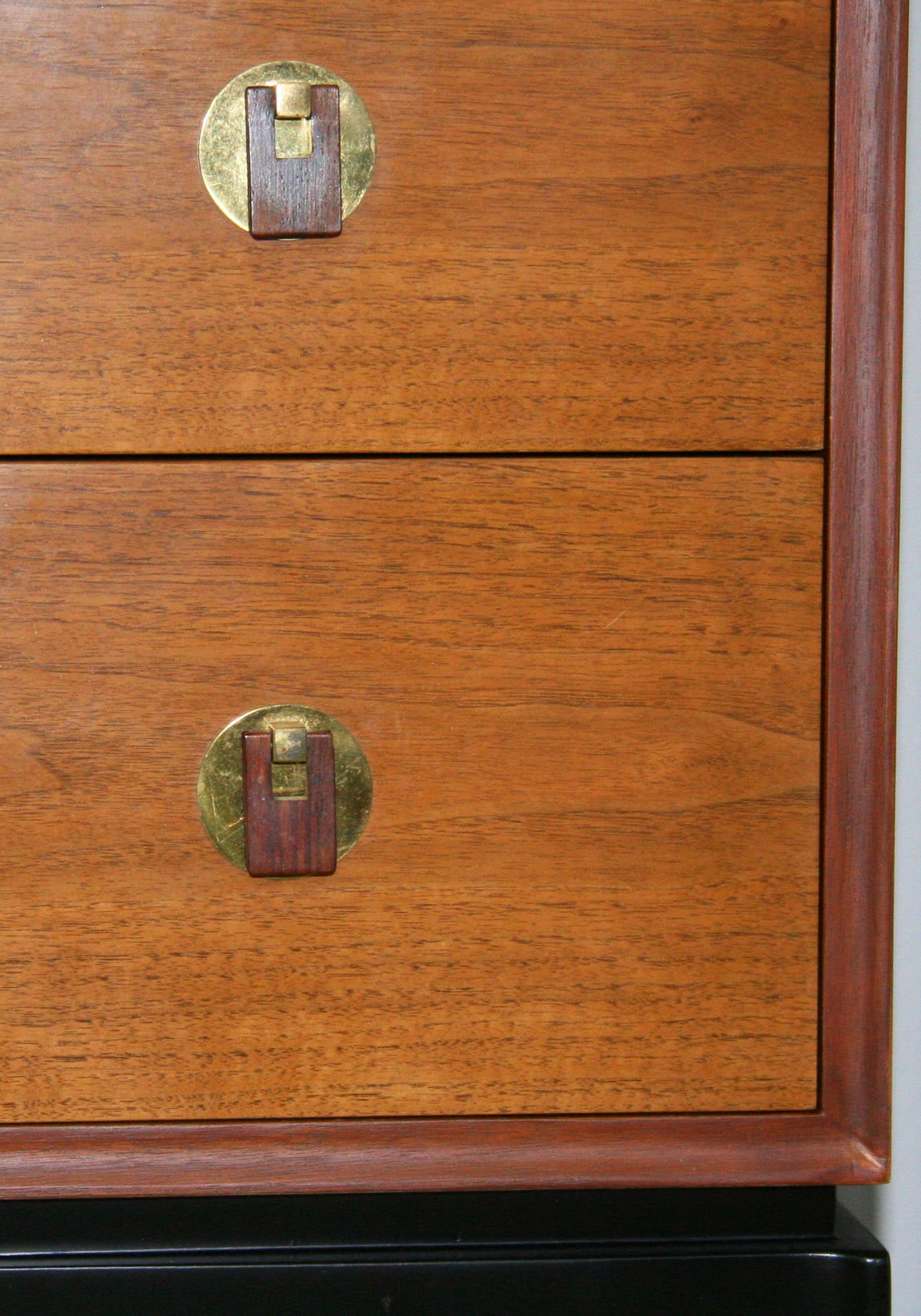 Pair of Edward Wormley for Dunbar Chests of Drawers In Good Condition For Sale In Palm Springs, CA