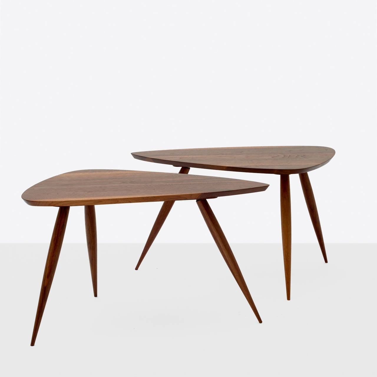 Pair of Occasional Tables by Phillip Lloyd Powell In Excellent Condition For Sale In San Francisco, CA