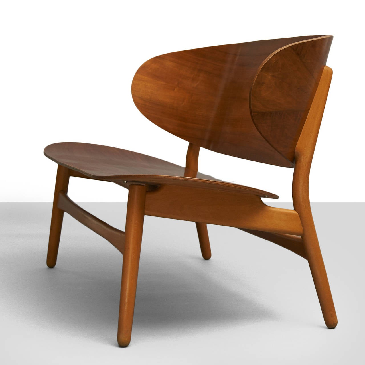 Scandinavian Modern Hans Wegner Shell Settee For Sale