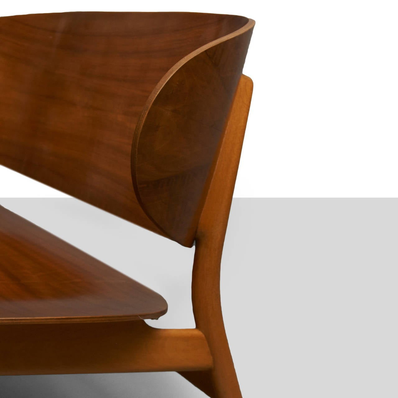 Hans Wegner, Pair of Shell Lounge Chairs For Sale 1