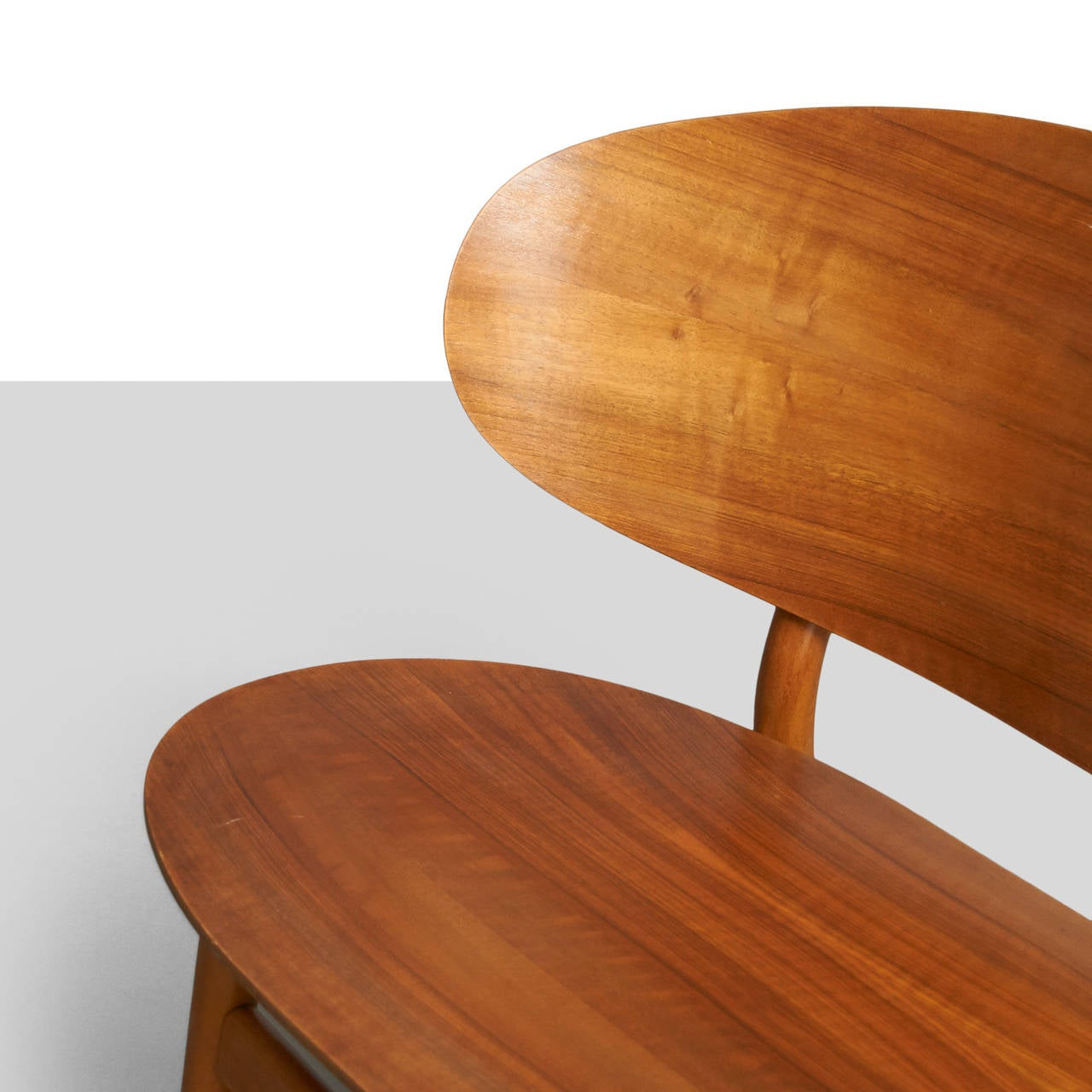Mid-20th Century Hans Wegner, Pair of Shell Lounge Chairs For Sale