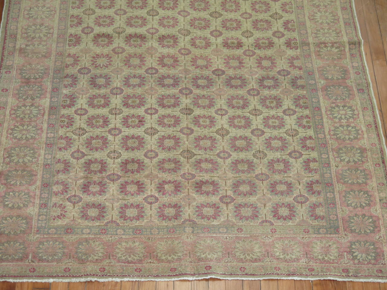 Turkish Sivas Rug In Good Condition For Sale In New York, NY