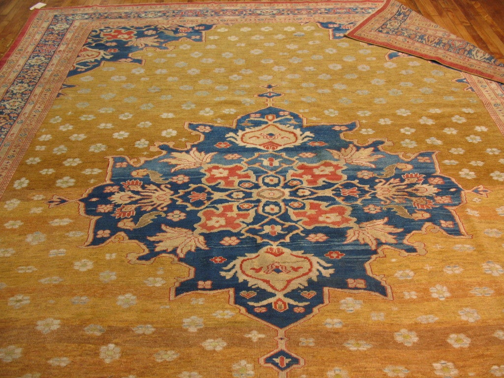 Ziegler Mahal Rug In Excellent Condition For Sale In New York, NY