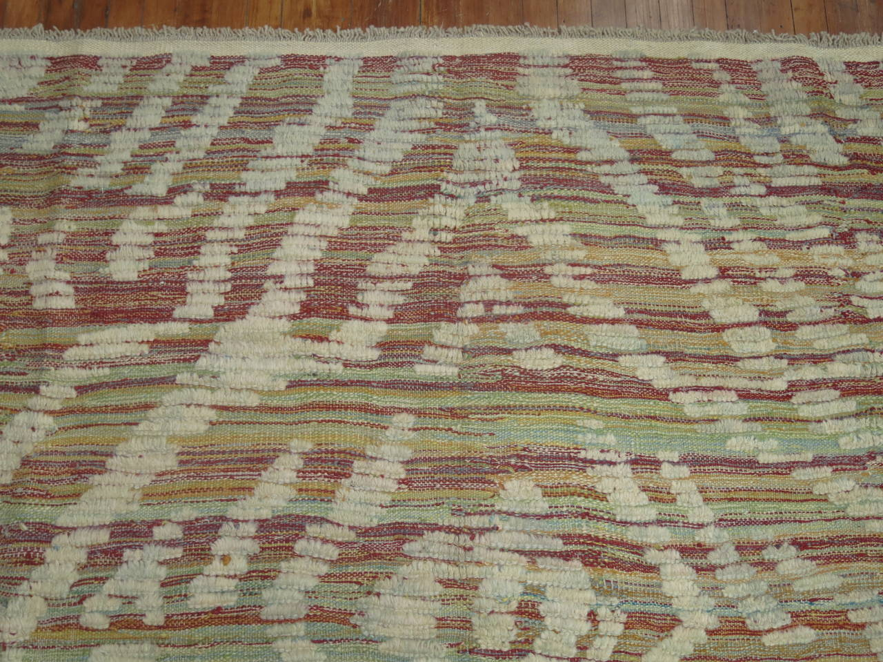 Turkish Inspired Flat-Weave Carpet In Excellent Condition For Sale In New York, NY