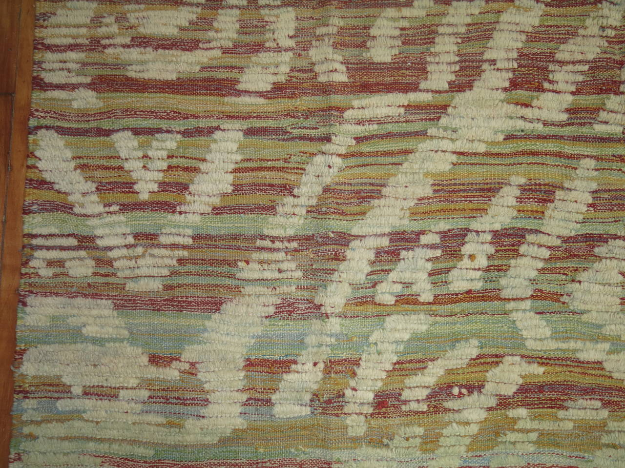 20th Century Turkish Inspired Flat-Weave Carpet For Sale