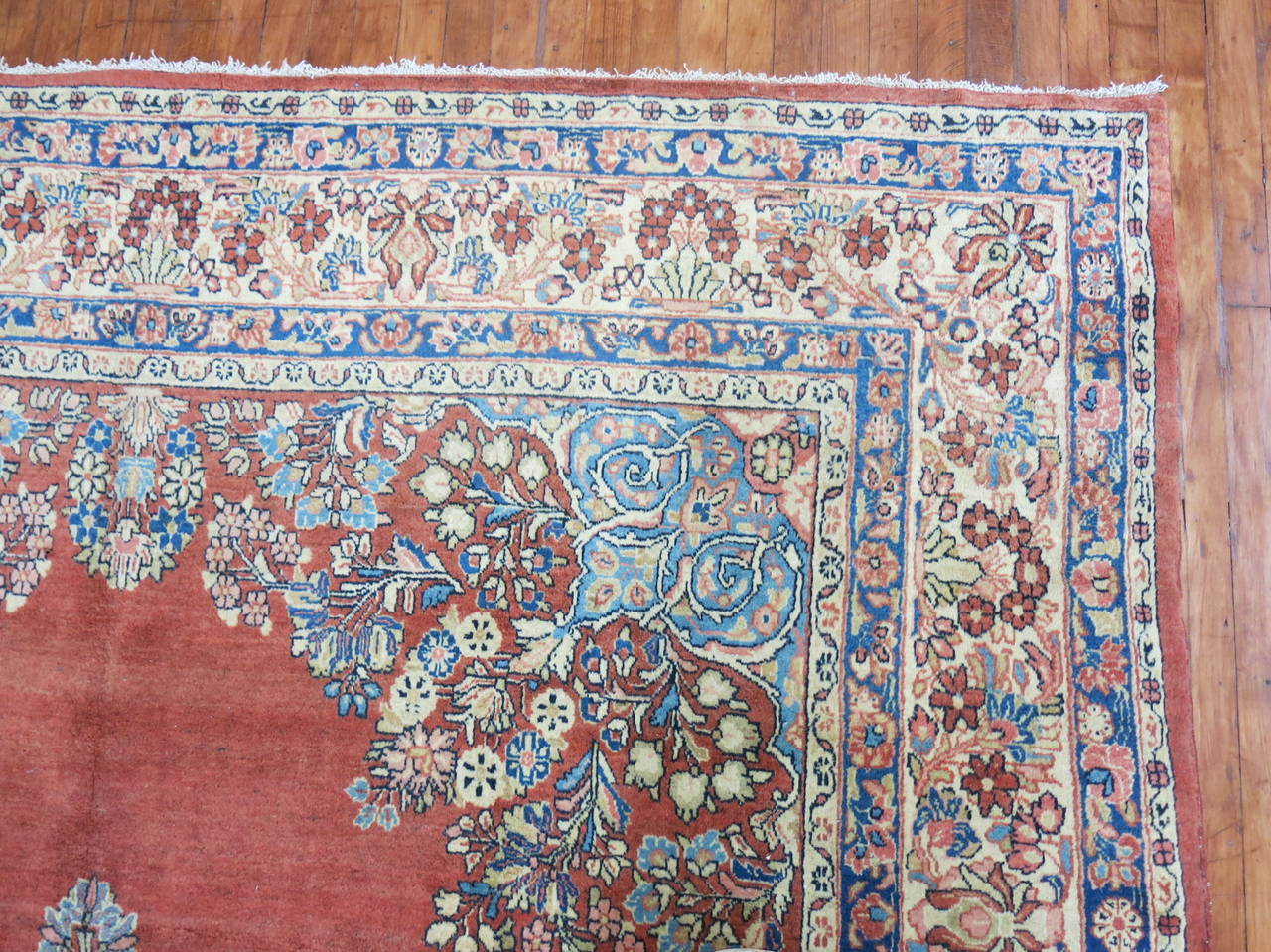 Classic Persian Sarouk Rug For Sale At 1stdibs