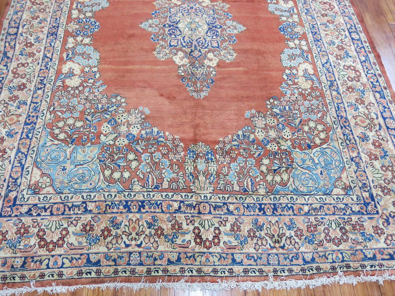 Classic Persian Sarouk Rug At 1stdibs