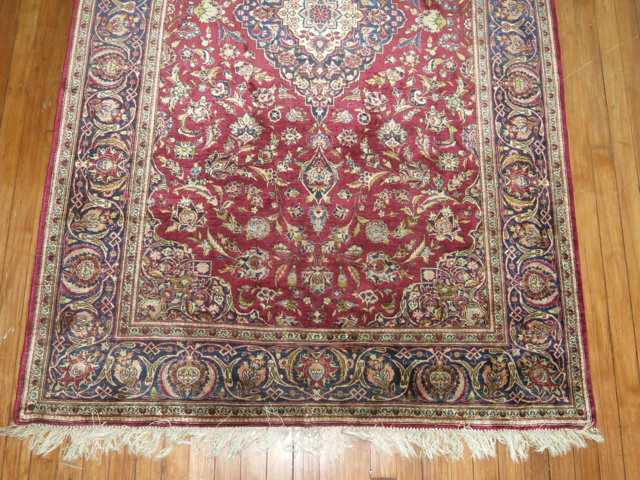 Antique Persian Silk Area Rug In Excellent Condition For Sale In New York, NY