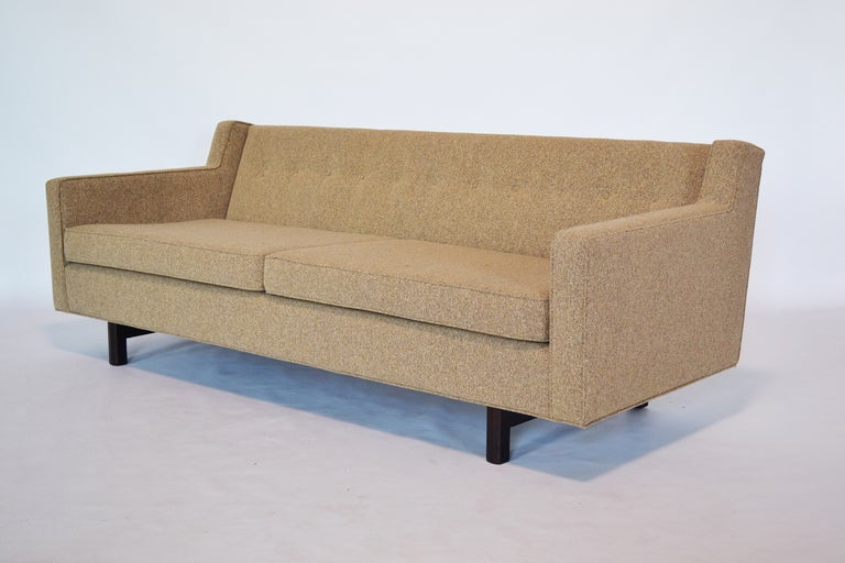 Edward Wormley Loose Cushion Sofa by Dunbar In Excellent Condition For Sale In Highland, IN