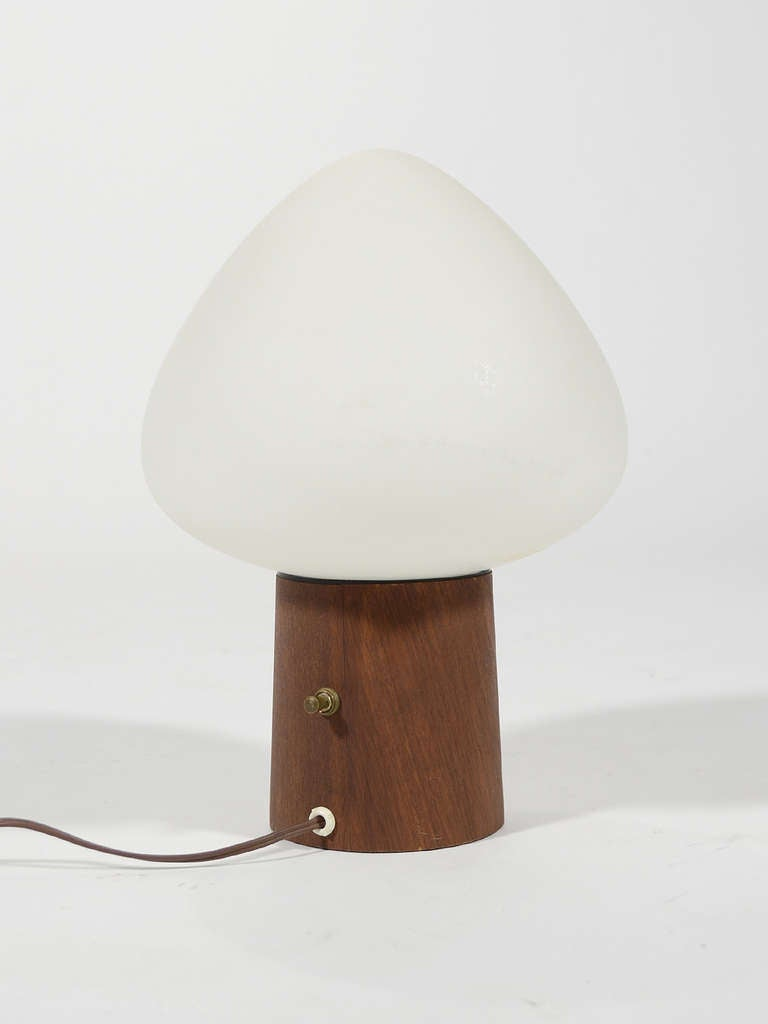 Laurel Mushroom Table Lamp with Walnut Base 5