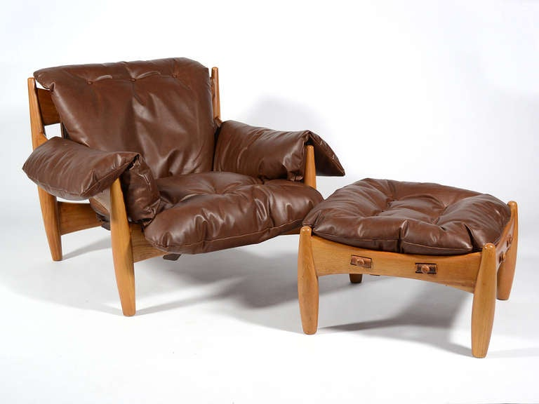 Mid-Century Modern Sergio Rodrigues Sheriff Lounge Chair and Ottoman For Sale