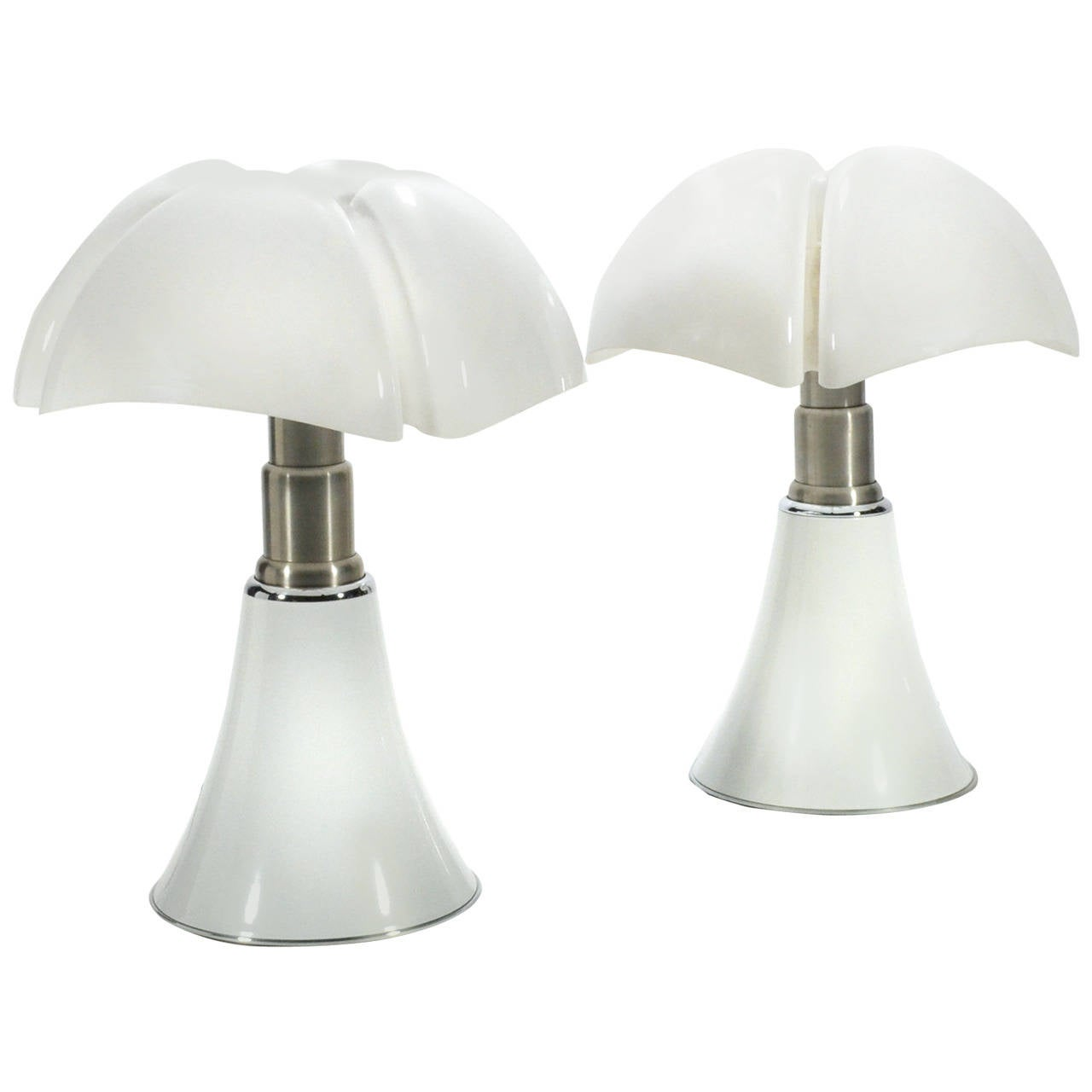 Pair of Gae Aulenti Pipistrello Table Lamps For Sale