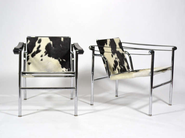 Pair of le corbusier lc1 lounge chairs by cassina at 1stdibs