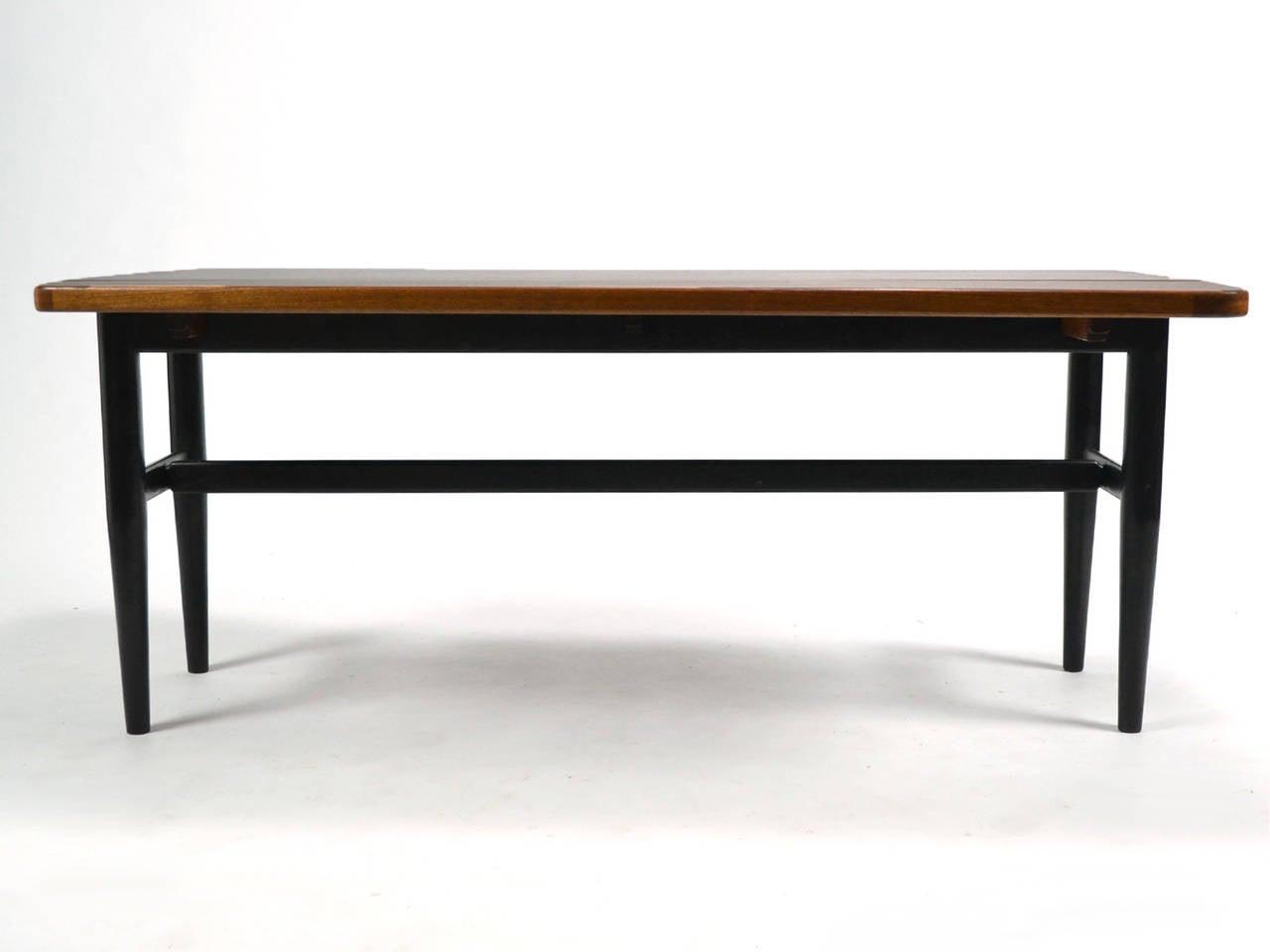 Scandinavian Modern Finn Juhl Drop-Leaf Coffee Table For Sale