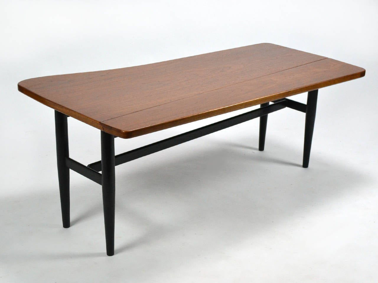 Mid 20th Century Finn Juhl Drop Leaf Coffee Table For Sale