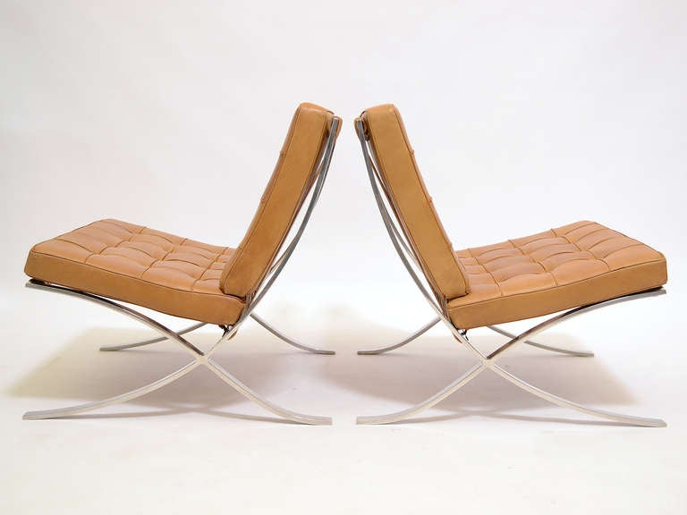 Pair of Ludwig Mies van der Rohe Barcelona chairs by Knoll 4
