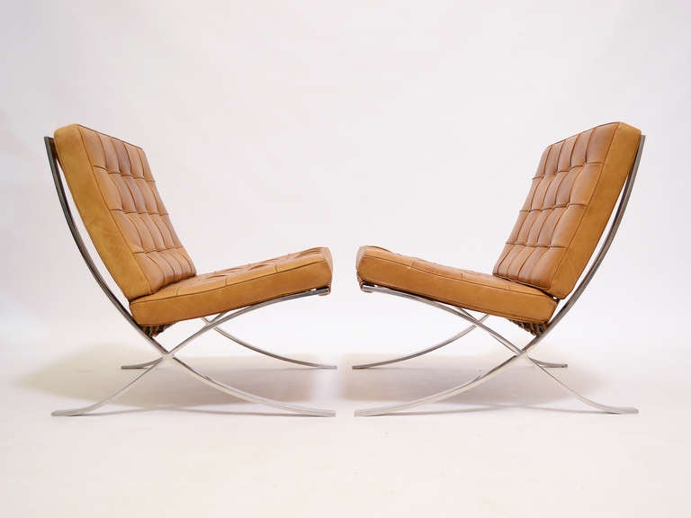 Pair of Ludwig Mies van der Rohe Barcelona chairs by Knoll 5