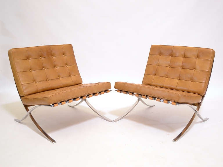 Pair of Ludwig Mies van der Rohe Barcelona chairs by Knoll 6