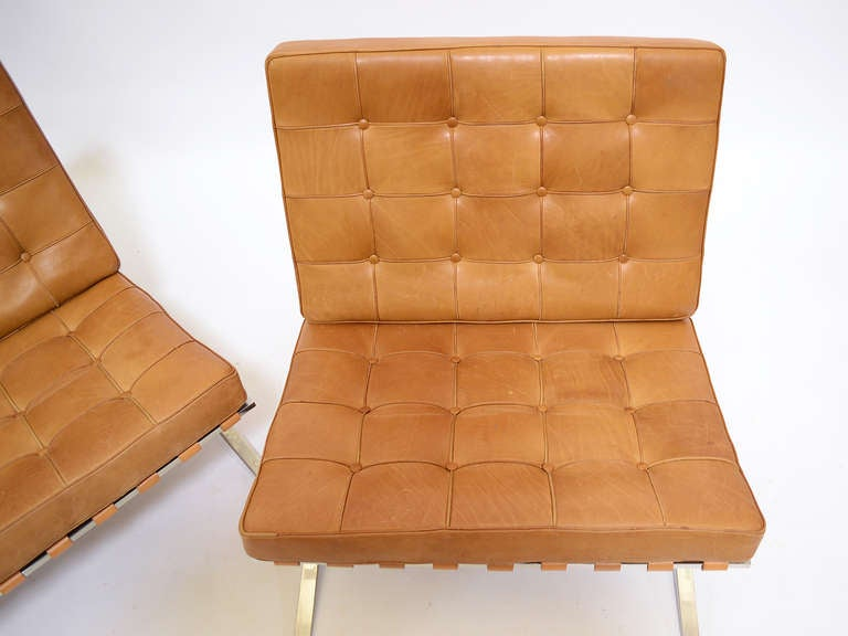 Pair of Ludwig Mies van der Rohe Barcelona chairs by Knoll 9