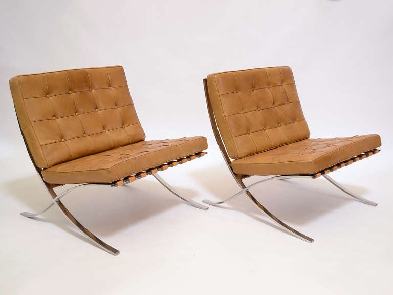 Pair of Ludwig Mies van der Rohe Barcelona chairs by Knoll 7