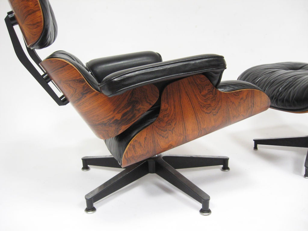 Eames lounge chair by herman miller with highly figured rosewood at 1stdibs - Eames lounge chair prix ...
