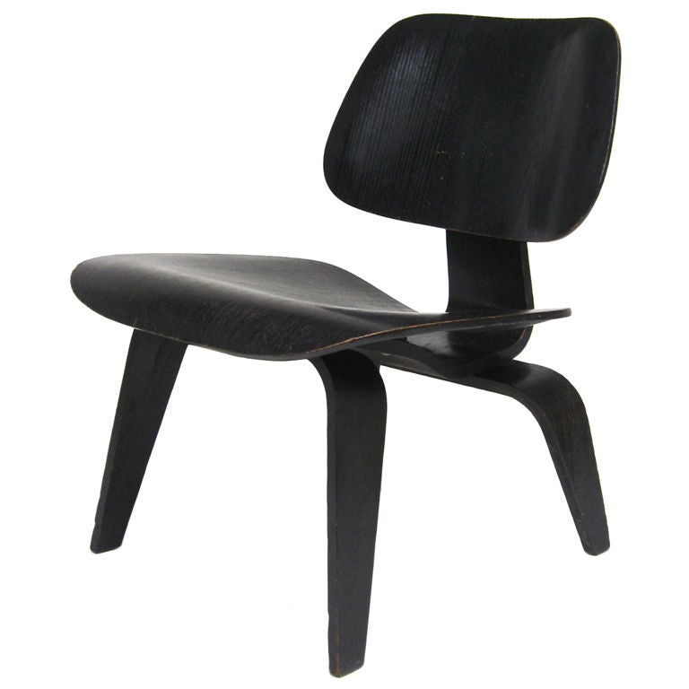 1952 Eames LCW lounge chair by Herman Miller For Sale at