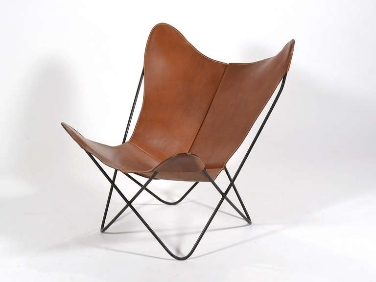 butterly chair with leather sling by jorge ferrari hardoy for knoll at