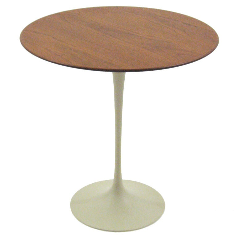 saarinen walnut tulip table with gray base by knoll at 1stdibs. Black Bedroom Furniture Sets. Home Design Ideas