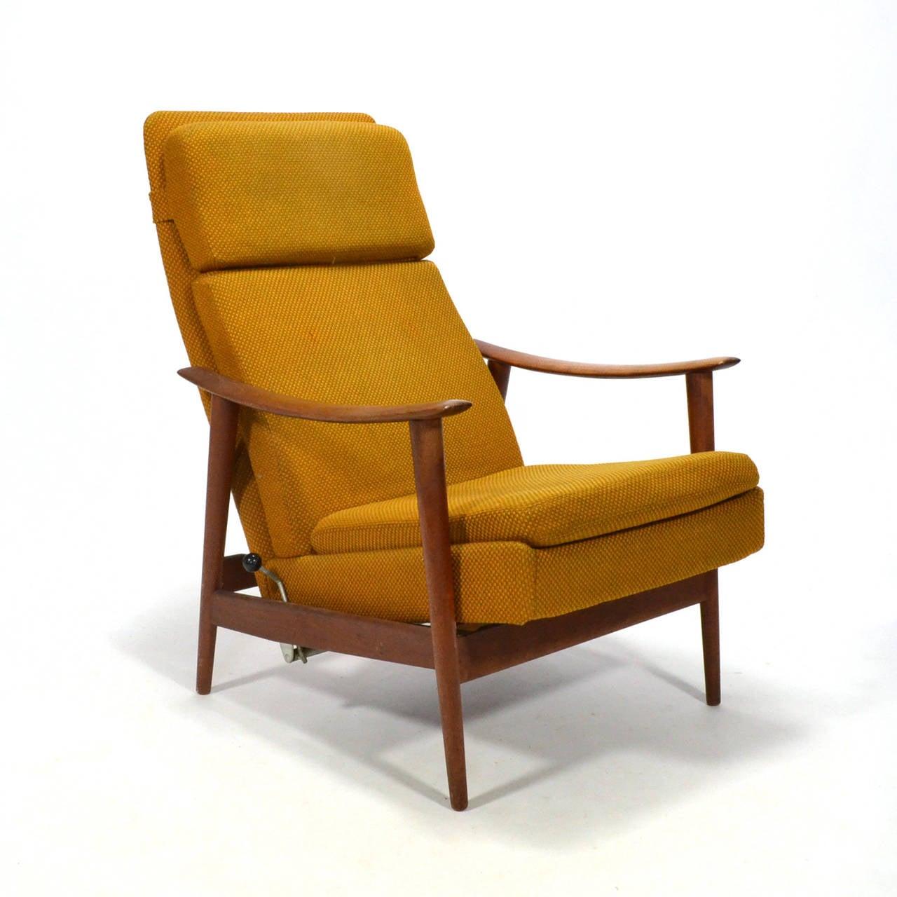 Danish Teak Reclining Lounge Chair 2  sc 1 st  1stDibs & Danish Teak Reclining Lounge Chair at 1stdibs islam-shia.org