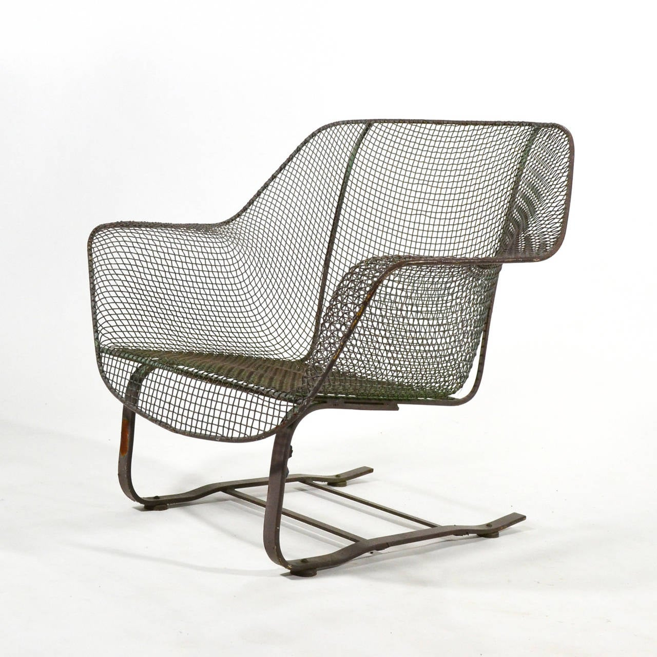 Woodard Sculptura Large Cantilevered Lounge Chair at 1stdibs