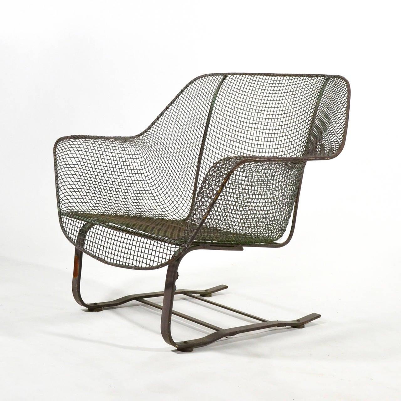 Woodard Sculptura Cantilevered Lounge Chair at 1stdibs