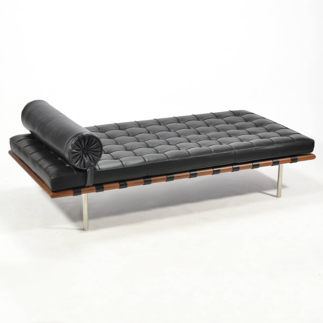 ludwig mies van der rohe barcelona daybed by knoll at 1stdibs. Black Bedroom Furniture Sets. Home Design Ideas