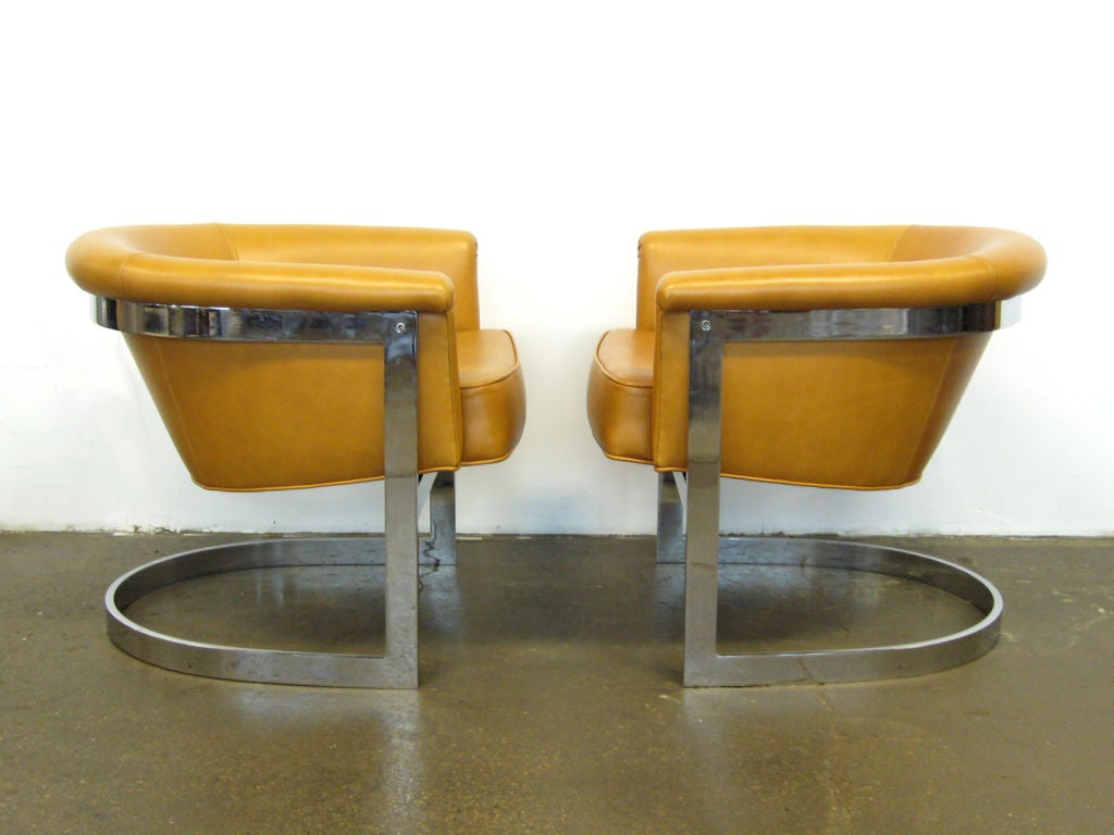 Late 20th Century Pair of Milo Baughman lounge chairs by Thayer Coggin