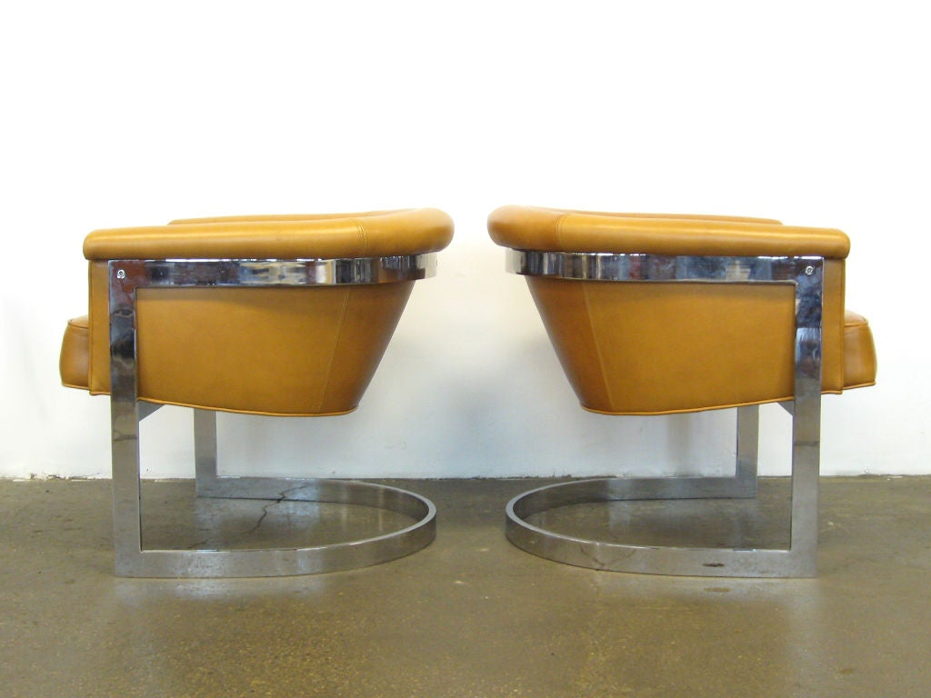 Upholstery Pair of Milo Baughman lounge chairs by Thayer Coggin