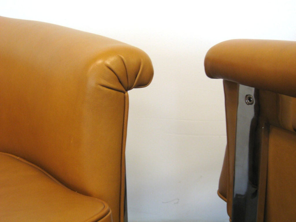 Pair of Milo Baughman lounge chairs by Thayer Coggin 3