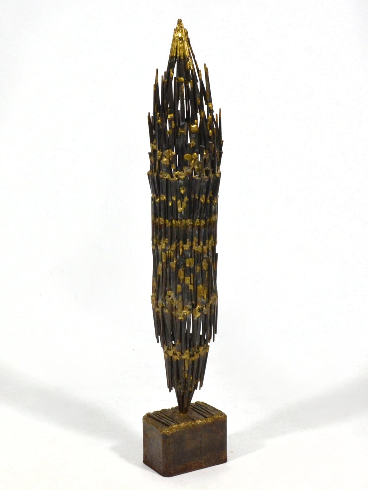 Abstract Brutalist Sculpture in Iron and Bronze For Sale 2