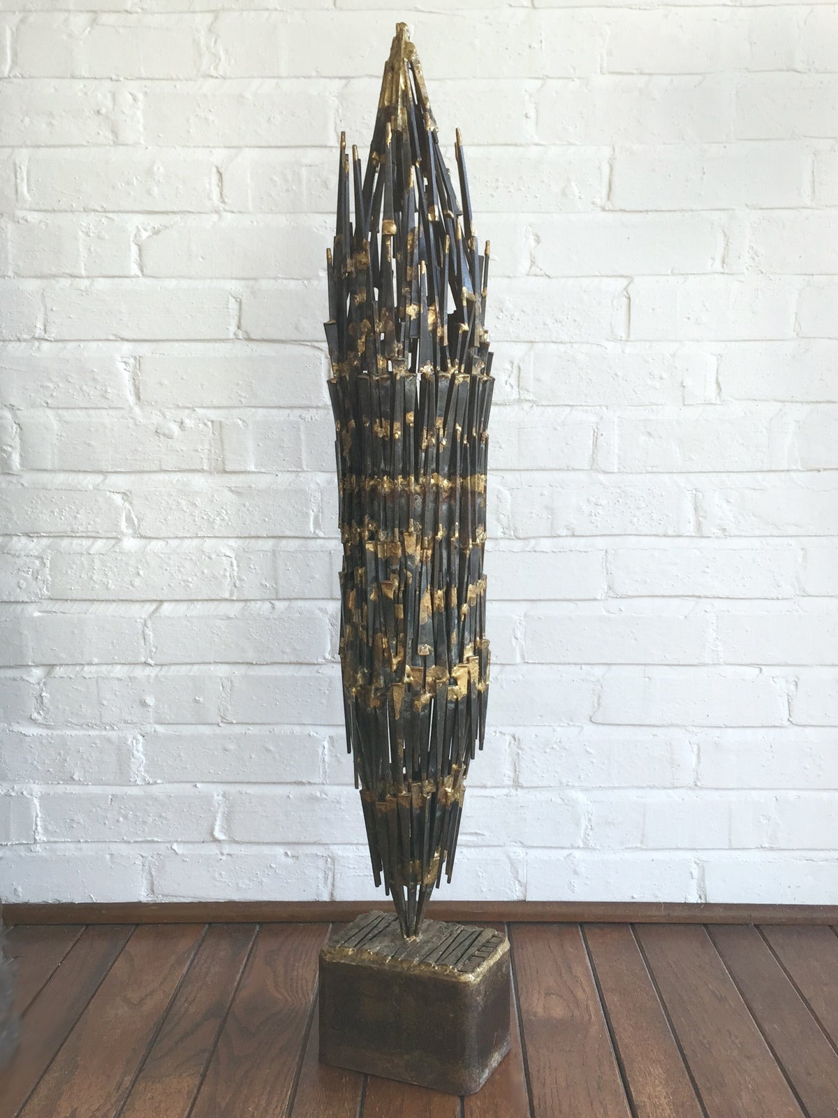 Abstract Brutalist Sculpture in Iron and Bronze For Sale 3