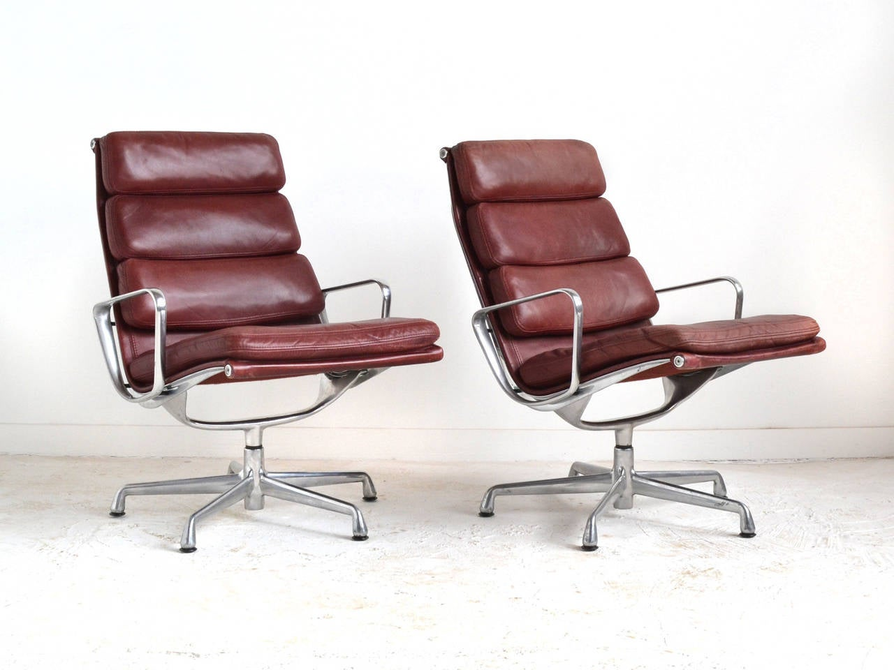 eames soft pad lounge chairs by herman miller for sale at. Black Bedroom Furniture Sets. Home Design Ideas