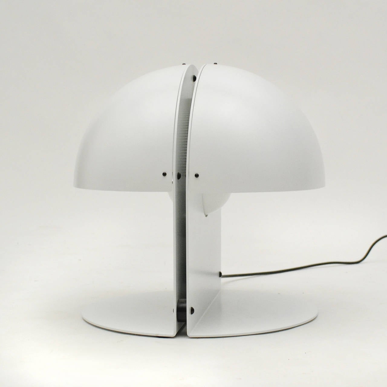 Italian Table Lamp in the Manner of Castiglioni For Sale 1