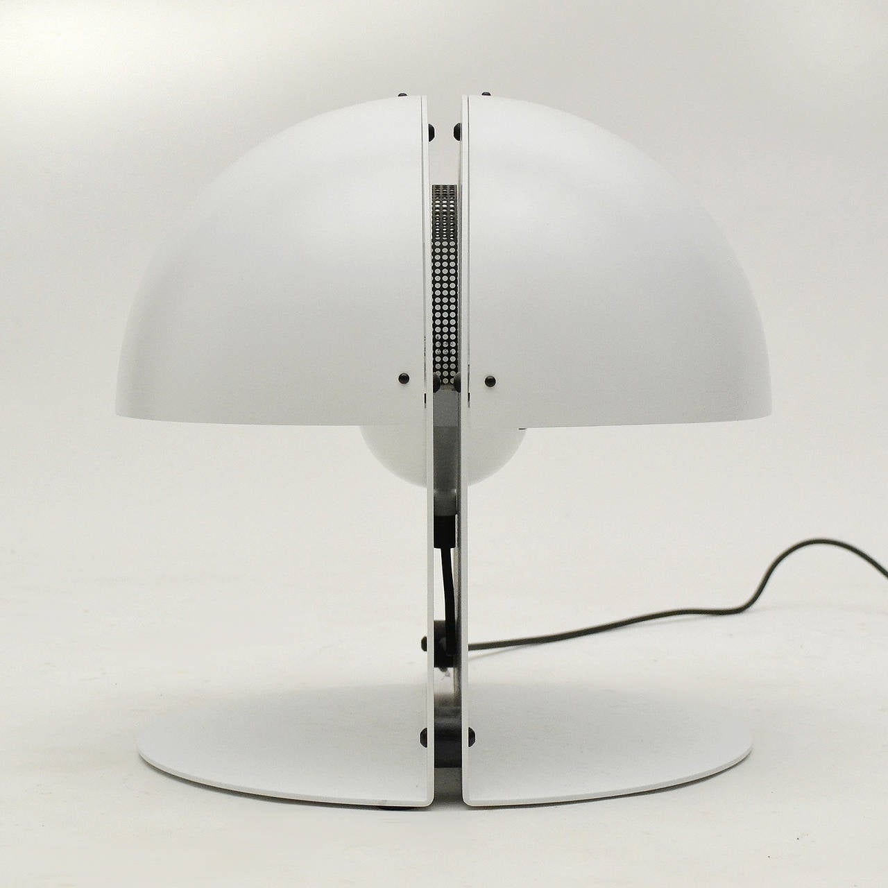 Italian Table Lamp in the Manner of Castiglioni For Sale 3