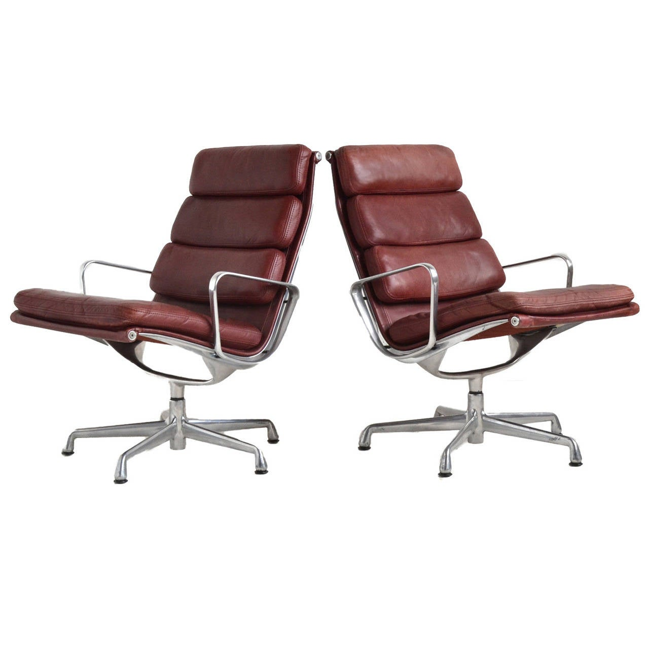 eames soft pad lounge chairs by herman miller for sale at 1stdibs. Black Bedroom Furniture Sets. Home Design Ideas