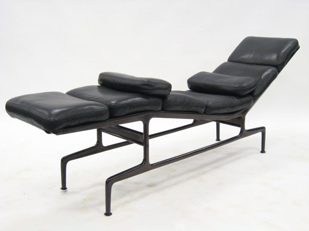 Eames billy wilder chaise lounge by herman miller at 1stdibs for Chaise eames