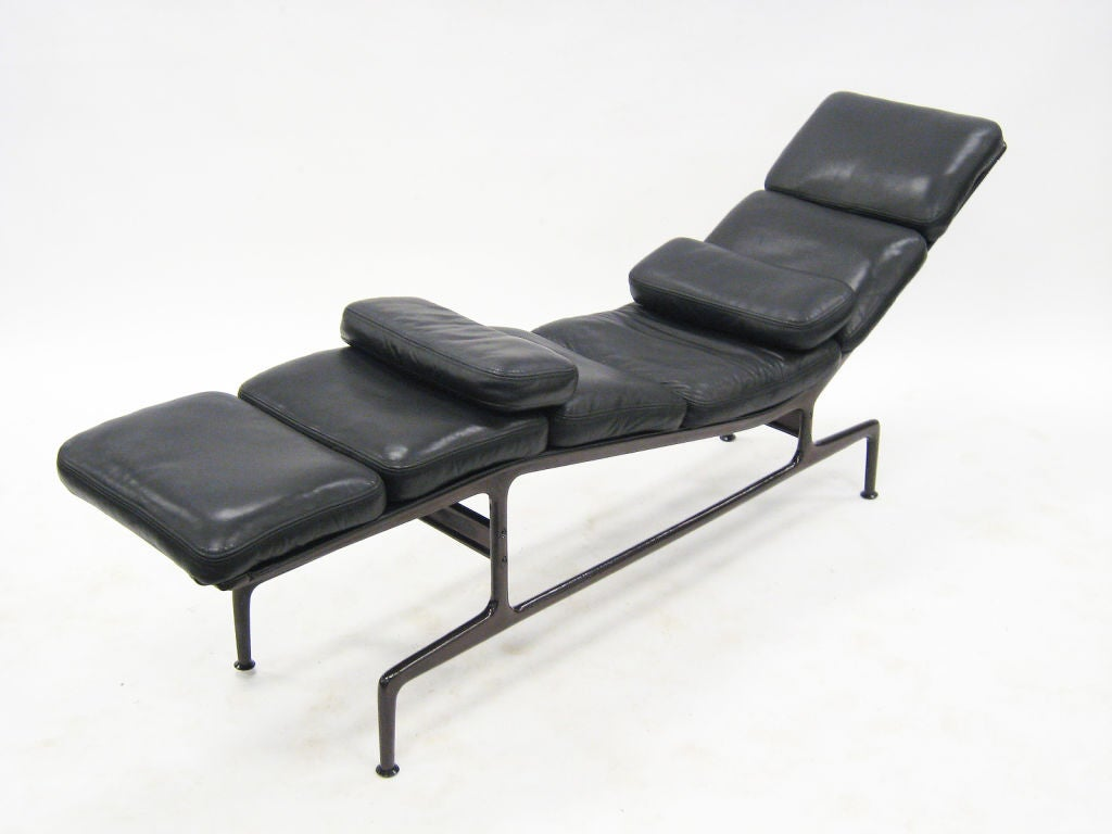 eames billy wilder chaise lounge by herman miller at 1stdibs. Black Bedroom Furniture Sets. Home Design Ideas