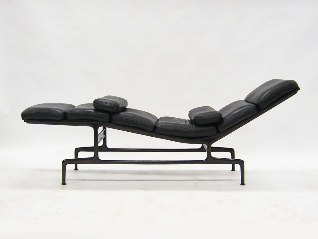 Eames billy wilder chaise lounge by herman miller at 1stdibs for Chaise eames original