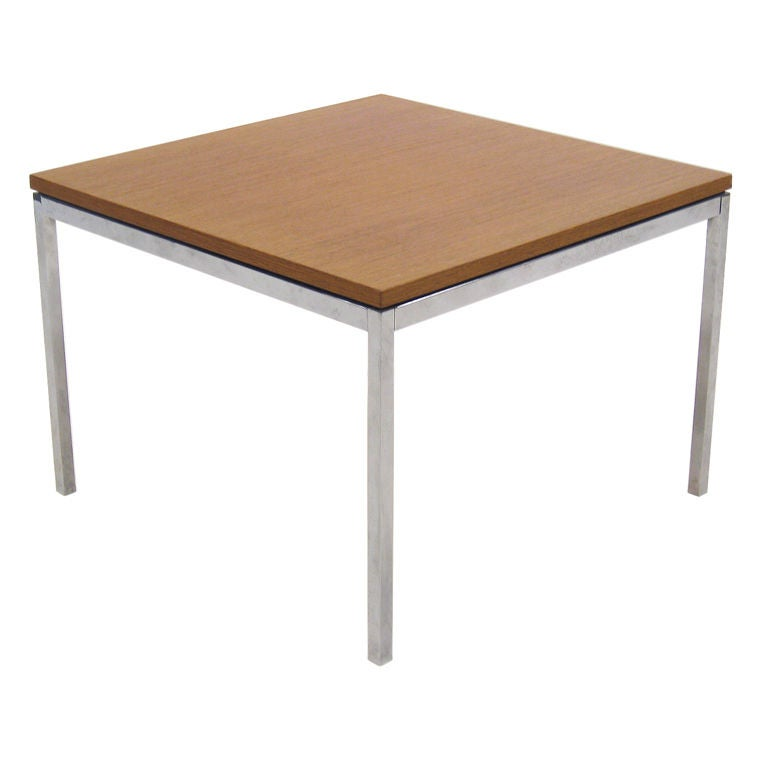 Florence Knoll coffeeend table with combed oak top For Sale at