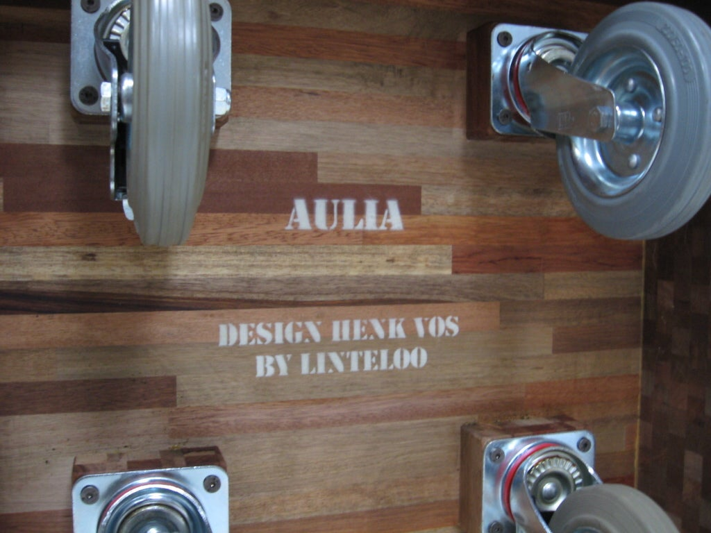 """Henk Vos """"Aulia"""" coffee table by Linteloo 3"""