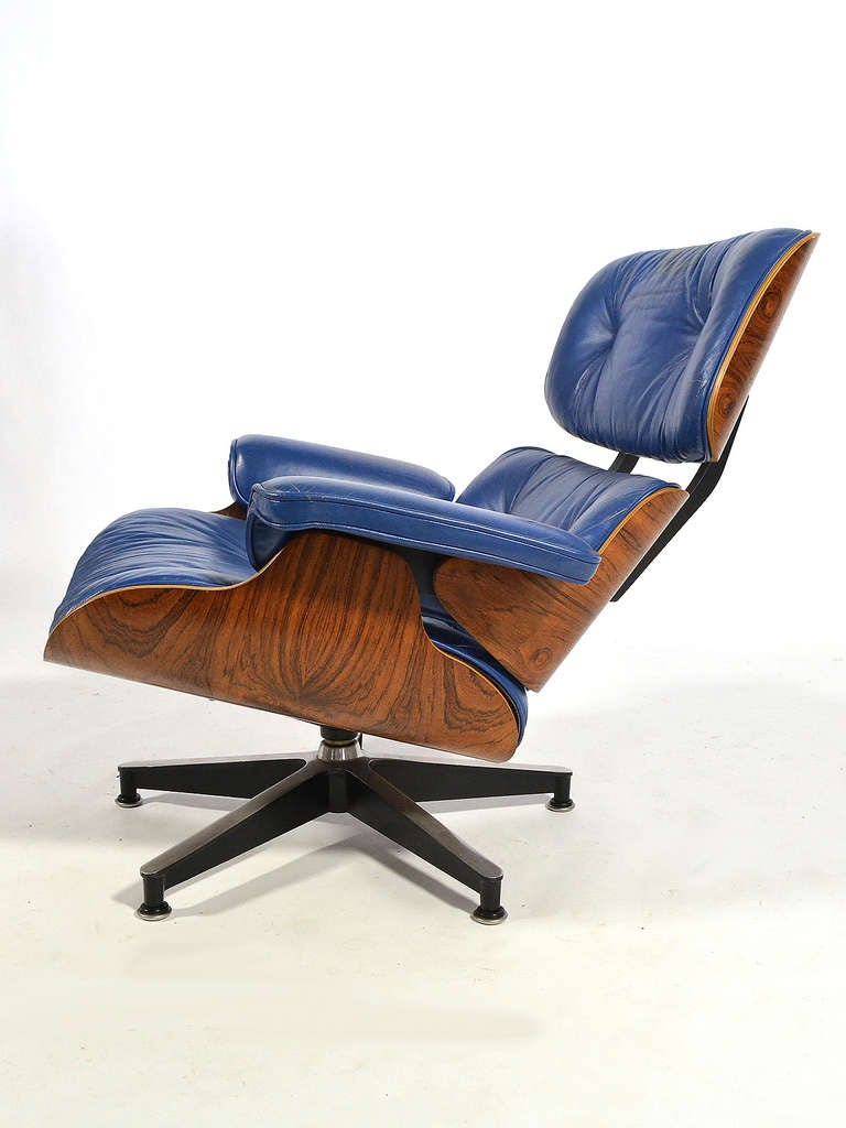 Mid-Century Modern Rare Eames 670 Lounge Chair with Cobalt Blue Leather by Herman Miller