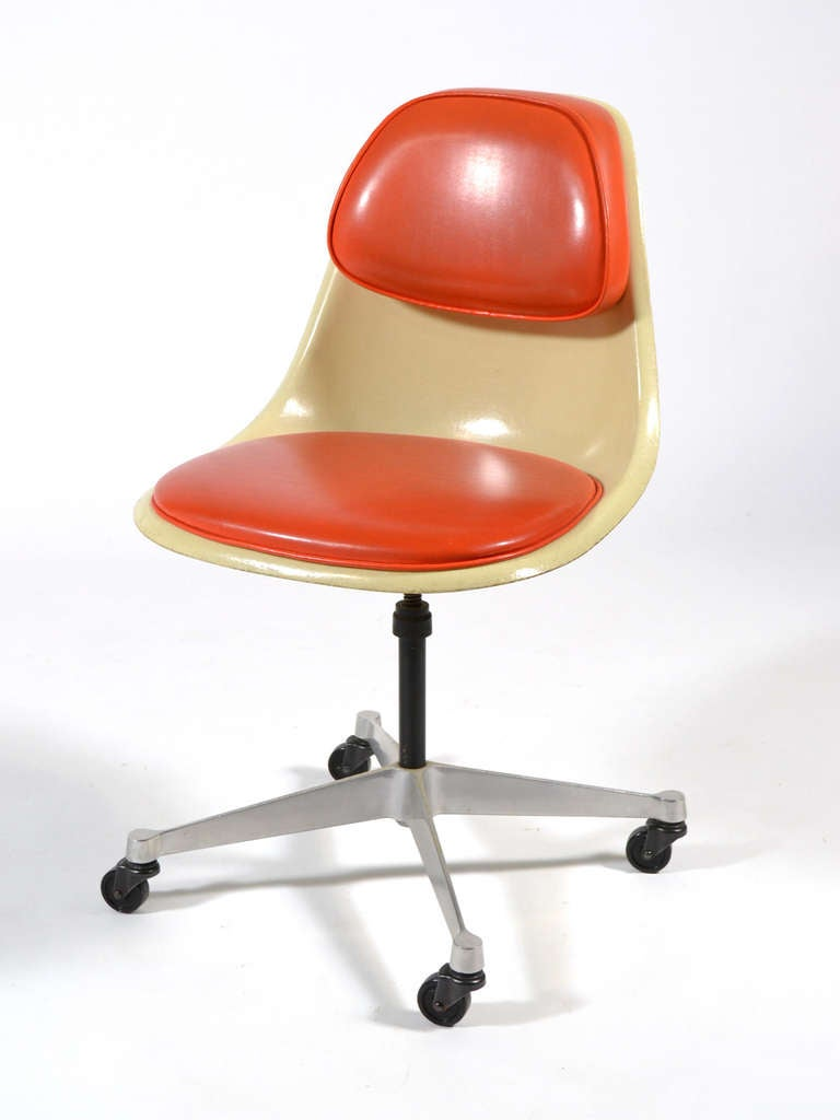 Incroyable American Eames Model PSCC 4 Task Chair By Herman Miller For Sale